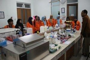 Kunjungan laboratorium Riset Biologi Molekuler dan Genetika di UIN Maulana Malik Ibrahim Malang