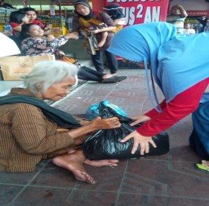Kegiatan Baksos di Malioboro Yogyakarta